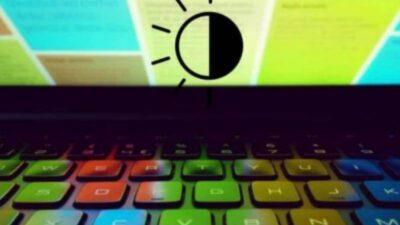 bajar el brillo de la laptop
